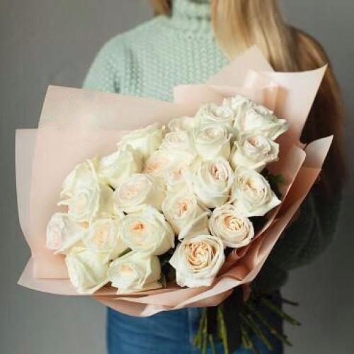 Купить на заказ Букет из 31 белой розы с доставкой в Шу