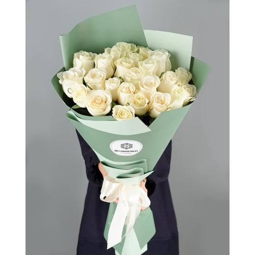 Купить на заказ Букет из 25 белых роз с доставкой в Шу