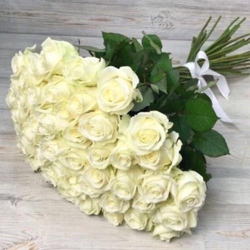 Купить на заказ Букет из 51 белой розы с доставкой в Шу